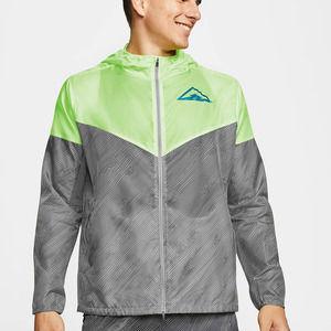 Nike Windrunner Hooded Trail Running Jacket